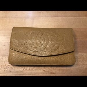 💯 authentic Chanel wallet/clutch